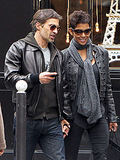Halle Berry and Olivier Martinez Grab Lunch in Paris