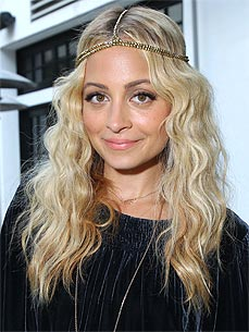 How Nicole Richie Accidentally Took in a Pack of Stray Cats