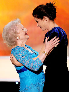 Sandra Bullock Jokes: I Find Betty White Annoying