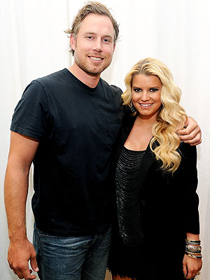 Jessica Simpson Wedding Delayed Due to Baby