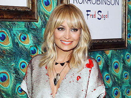 Nicole Richie Offers Fashion Advice to Fans in L.A.