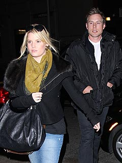 Jessica Simpson & Fiancé Step Out for Dinner in N.Y.C.