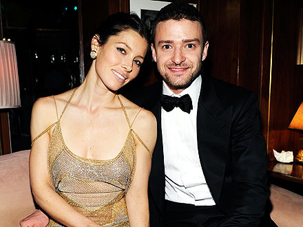 Justin Timberlake & Jessica Biel Get Close over Dinner in Vegas