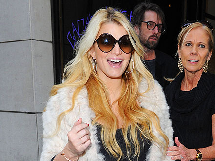 Jessica Simpson Goes Shopping at Barneys in the Big Apple