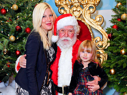 Tori Spelling and Daughters Enjoy a Girls' Day Out