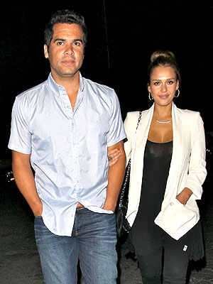 Couples Watch: Jessica Alba & Cash Warren's Fashionable Night Out