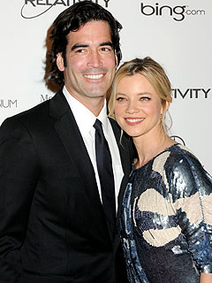 Amy Smart, Carter Oosterhouse Engaged
