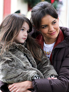 Katie Holmes & Suri Cruise Visit Vancouver Aquarium