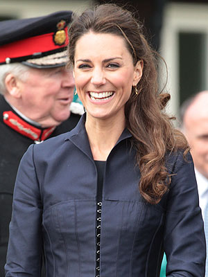 http://img2-2.timeinc.net/people/i/2011/news/110502/kate-middleton-300.jpg