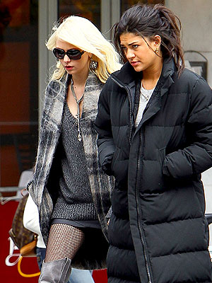 Gossip Girl: Jessica Szohr and Taylor Momsen to Leave Show