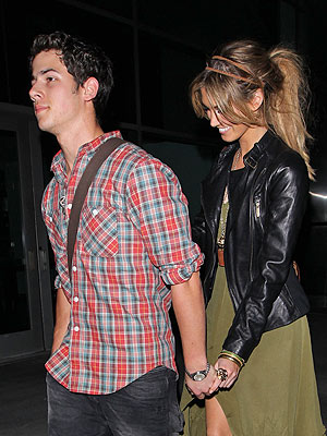 Nick Jonas, Delta Goodrem Dating?