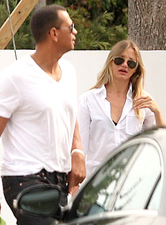 A-Rod & Cameron Diaz's Kissy Dinner in Miami