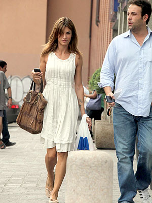 Elisabetta Canalis Tries Retail Therapy After George Clooney Breakup