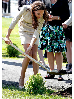 Prince William, Kate Canada Visit: Shrub Planting
