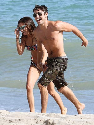 Zac Efron Shirtless Photos with Ashley Tisdale