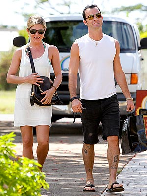 Jennifer Aniston & Justin Theroux's Romantic Hawaiian Getaway