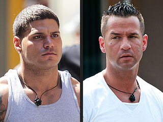 "Mike ""The Situation"" Sorentino Fights Ronnie, Wall on Jersey Shore"