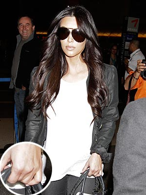 Kim Kardashian, Kris Humphries Divorce: She Flies to Australia with No Ring