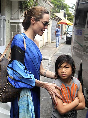 Photo of Angelina Jolie & her Son  Pax