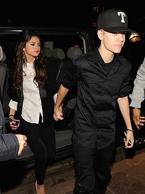 Justin Bieber, Selena Gomez Hold Hands in Belfast