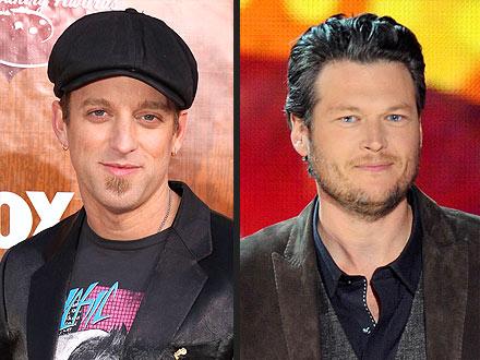 Country Music Awards: Blake Shelton's Big Kiss
