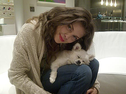 AnnaLynne McCord's New Hair - and Dog!
