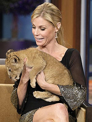 Julie Bowen with Lion Cub on Jay Leno: Photo