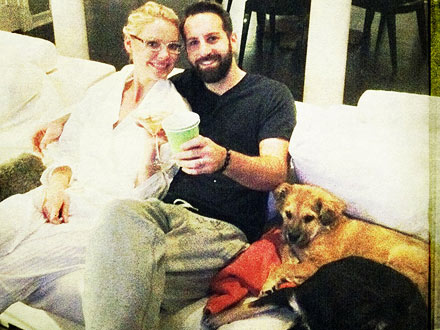 Katherine Heigl's Post-AMAs Celebration? Dogs & 'Jammies' on the Couch!