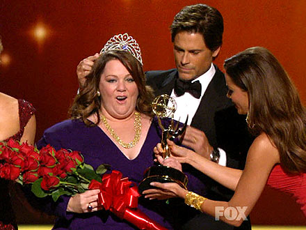 Emmys: Melissa McCarthy Wins for Mike & Molly at Emmy Awards