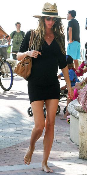 Gisele Bündchen's Cool & Glam Maternity Style