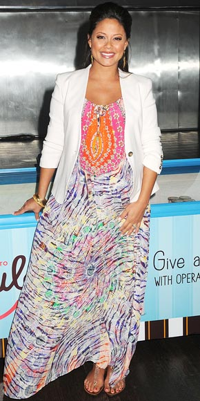 Vanessa Lachey's Cool & Contemporary Maternity Style