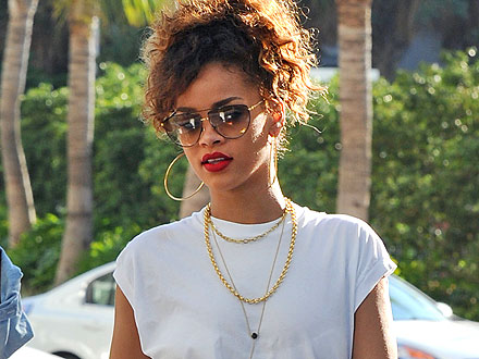 Rihanna Surprises (and Delights) Miami Shoppers