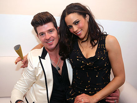 Robin Thicke Kisses Wife, Misses Midnight Countdown at NYE Party!