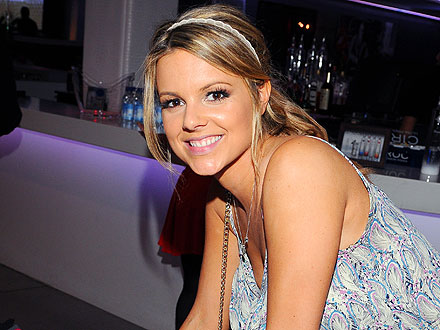 Ali Fedotowsky Compliments Stranger on Her Engagement Ring