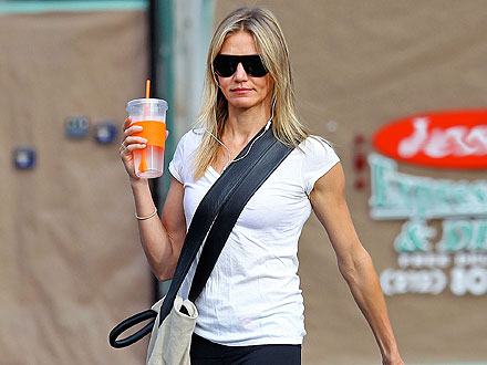 Cameron Diaz Chats Up a Buddy at the Gym