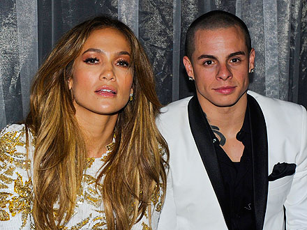 Jennifer Lopez & Casper Smart Share Candy in Las Vegas