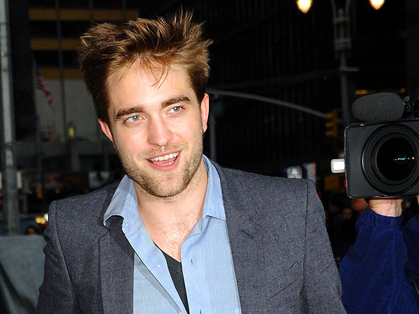 Robert Pattinson Rocks Out at Black Keys Show in Hollywood