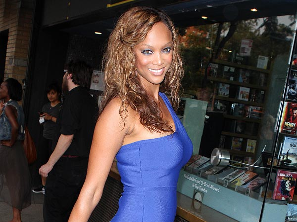 Tyra Banks Schools Twitter Followers in Having Fun in Boston