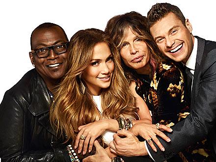 American Idol: Steven Tyler Teases Jennifer Lopez About Her Wardrobe Malfunction