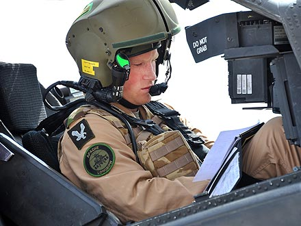Prince Harry Gets Helicopter Fighting Award