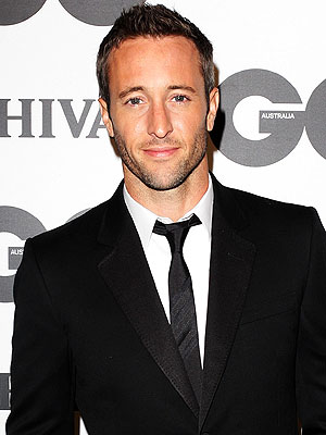 Hawaii Five-0: Alex O'Loughlin Treatment for Pain Medication