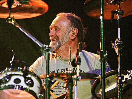 Michael Hossack of Doobie Brothers Dies