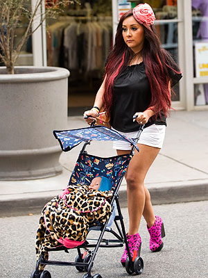 Snooki Practices for Motherhood – with a Doll! | Nicole Polizzi