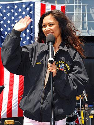 American Idol Homecoming Week: Jessica Sanchez Sings to Dad
