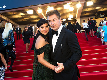 "Alec Baldwin Wedding; ""30 Rock"" Star Marries Yoga Instructor"