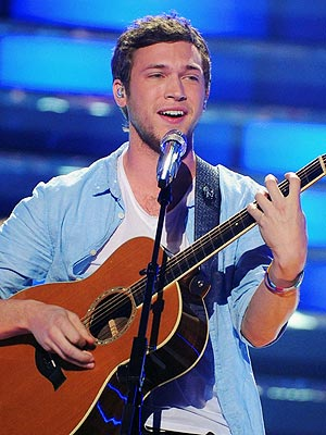 Phillip Phillips Playing The Guitar Again Post-Surgery