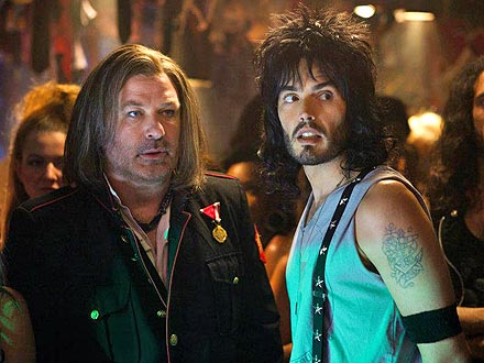 Alec Baldwin, Russell Brand in Sexy Rock of Ages Lip Lock