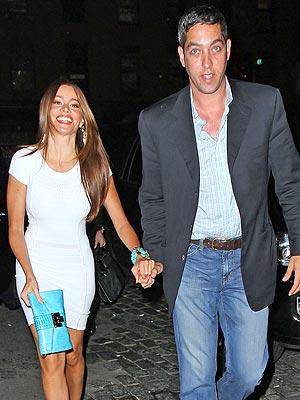 Sofia Vergara, Nick Loeb Get Cozy