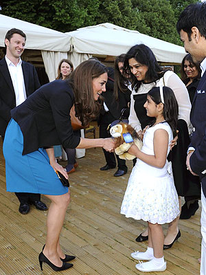 Kate Hosts Kids at a Production of The Lion, the Witch and the Wardrobe