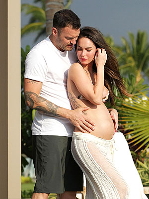 Megan Fox Pregnant: See Baby Bump Pictures